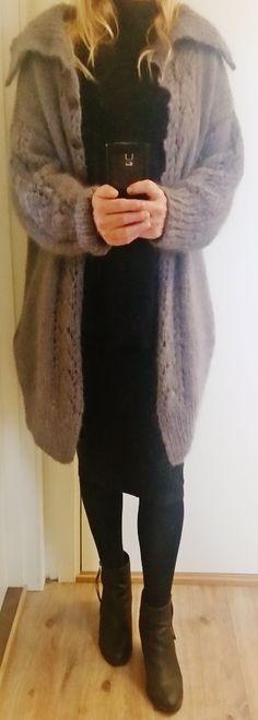 Hjerteranke-jakken. For kjøp av oppskrift, ta kontakt på denne side: https://www.facebook.com/groups/579666092108368/?ref=bookmarks