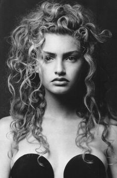 """ Michaela Bercu by Bettina Rheims for Vogue Paris March 1988 "" Michaela Bercu, 80s And 90s Fashion, 90s Models, Hair Reference, Face Photo, Glamour Photography, Vogue Magazine, Great Hair, Model Photos"
