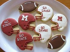 These cookies look cute and tasty and would be so much fun for a friendly football rivalry!