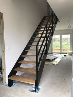 Staircase Design Modern, Modern Stairs, Loft Staircase, House Stairs, Outside Stairs, Garage To Living Space, Stairs Stringer, Glass Stairs, Home Fashion
