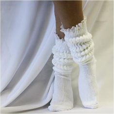 Fashion Advice For Looking Great And Up To Date - Fashion Frilly Socks, Lace Socks, Fashion Socks, 80s Fashion, Fashion Trends, Fashion Women, Cheap Fashion, High Fashion, Slouch Socks