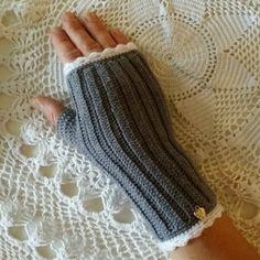 crochet fingerless gloves Knitted Gloves, Fingerless Gloves, Handicraft, Arm Warmers, Mittens, Blogg, Embroidery, Knitting, Chic