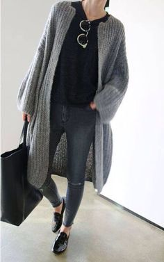 26 Insanely Cute Street Style Looks To Not Miss - New York Street Fashion, NYC Casual Style, Latest Fashion Trends - New York Fashion New Trends Looks Street Style, Looks Style, Fall Winter Outfits, Autumn Winter Fashion, Winter Style, Winter Dresses, Mode Outfits, Casual Outfits, Business Mode