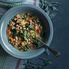 Hearty farro, kale and borlotti bean soup