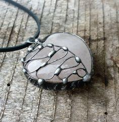 spoutané srdce (růženín)