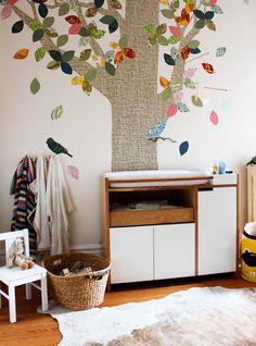 дерево аппликация на стене в детской