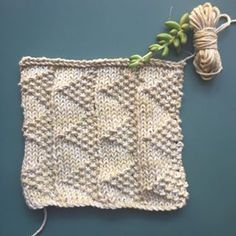 Free Easy Knit Square Pattern to Make a Quick Throw. The pattern is easy enough for a beginner and interesting for a seasoned knitter! Knitted Squares Pattern, Triangle Pattern, Crochet Patterns, Free Knitting, Free Crochet, Knit Crochet, Sewing Machine Embroidery, Free Machine Embroidery Designs, Moss Stitch