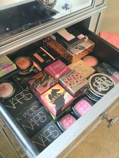ThatsHeart: Makeup Collection & Storage