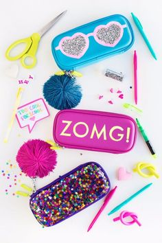 Best DIY Ideas for Teens To Make This Summer - DIY Glittery Graphic Pencil Cases - Fun and Easy Crafts, Room Decor, Toys and Craft Projects to Make And Sell - Cool Gifts for Friends, Awesome Things To(Best Gifts For Teens) Cool Pencil Cases, Diy Pencil Case, Pencil Pouch, Cool Diy Projects, Diy Projects For Teens, Crafts For Kids, Craft Projects, Cute Crafts, Easy Crafts