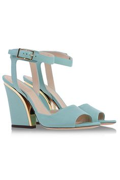 Sale Alert! Designer Shoes That Cost Less Than Zara  #refinery29  http://www.refinery29.com/2014/07/72000/shoescribe-designer-sale-2014#slide8  Chloé Sandals, $358 (originally $895), available at Shoescribe.