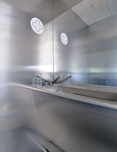 Bagno Componendo - l'acciaio inossidabile per l'arredamento http://www.componendo.com/ -Livingmodule - Milano Design Week 2017- Unità in legno autoportante flessibile e adattabile ad ogni tipo di contesto, condizione climatica e terreno.