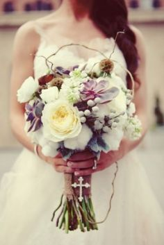 Rustic bridal bouquet with garden roses, succulents, cotton bolls, curly willow. Fleurs de France Floral, Addison/Dallas, TX. Courtesy of Sarah Kate Photography
