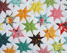 """A mini wonky star quilt by Fresh Lemons Quilts. I love the layout and color use of this quilt, and must absolutely add a quilt with small wonky stars to the """"To Make"""" list. Star Quilt Blocks, Star Quilt Patterns, Star Quilts, Scrappy Quilts, Mini Quilts, Quilting Projects, Quilting Designs, Quilting Ideas, Sewing Projects"""