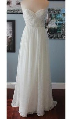 New With Tags Ivy & Aster Wedding Dress Sweet Pea,
