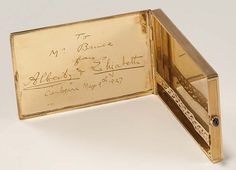 Gold cigarette case from the Duke and Duchess of York, 1927