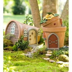 Oh, my we love these fairy houses that light up at night when the fairies come home! Miniature Fairy Garden Solar Flower Pot Home - DIY Fairy Gardens Fairy Garden Houses, Diy Garden, Gnome Garden, Garden Crafts, Garden Projects, Garden Art, Fairy Gardening, Fairy Garden Doors, Fairies Garden