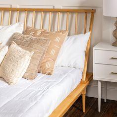 Spindle Bed, California King Mattress, Room Ideas Bedroom, Bed Room, Room Decor, Wood Platform Bed, Bedroom Seating, Beds For Sale, Solid Pine