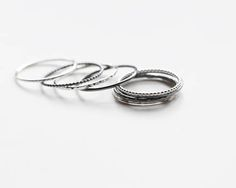 Minimalist stacking rings with various textures Hammered Silver, Oxidized Sterling Silver, Silver Rings, Zierlicher Ring, Ring Set, Skinny Rings, Geometric Necklace, Dainty Ring, Beaded Rings