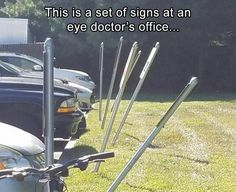 Picture of the Day: The Parking Signs at this Laser Eye Surgery Center - Fullact Trending Stories With The Laugh Mixture Funny Shit, Funny Cute, Haha Funny, Funny Posts, Funny Memes, Funny Stuff, Random Stuff, Funny Farm, Funniest Memes