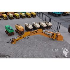 #Baumaschinen  http://www.ito-germany.de/kaufen/atlas-copco  #Anbaugeräte #Abbruchbagger #Baumaschine #Indeco #Mining #Equipment for sale #Images #Excavadora #Pelle #Koparka @itogermany #Minera #scooptram #LHD #auction Baumaschinen Zubehör für den Bergbau wie diesen Abbruch Baggerarm von #Indeco zur Montage eines Hydraulikhammer vor einem Brecher im #Steinbruch. Gebrauchte Baumaschinen kaufen Bildergalerie #Images