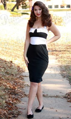 This retro dress is a piece of pin up fundaments. Using the simplest combination of black and white, it brings you the purity of rockabilly fashion. Sexy, elegant and beautiful, it will soon become your favorite vintage thing! #Rockabilly #Punkabilly #pinup #dress