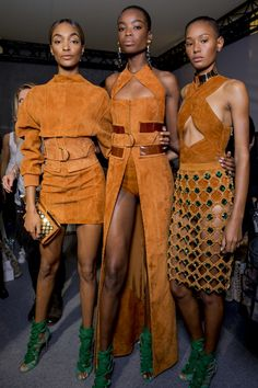 Original Pin: Backstage at Balmain spring/summer 2016 collection - Paris fashion week. Those boots. Fashion Week, Look Fashion, Paris Fashion, Runway Fashion, Fashion Models, High Fashion, Fashion Show, Fashion Outfits, Womens Fashion