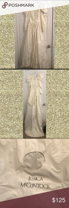 Vintage 90s Jessica McClintock wedding gown Jessica mcClintok 90's vintage brocade wedding gown with train...off white, size 10 with beaded buttons Jessica McClintock Dresses Wedding