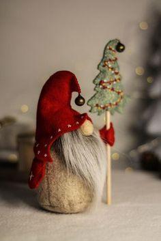 Christmas Gnome, Felt Christmas Ornaments, Christmas Crafts, Gnome Ornaments, Christmas Ideas, Christmas Decorations, Felt Ornaments Patterns, Tree Patterns, Gnomes