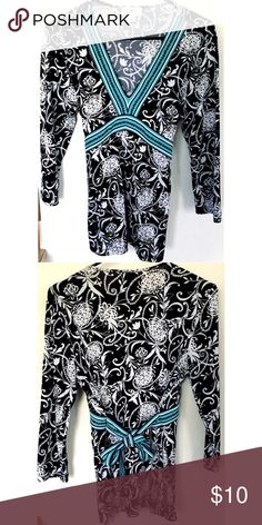Pretty patterned top Black, white and teal fitted 3/4 sleeve blouse. 96% polyester 4% spandex. Ann Taylor LOFT. Excellent condition Ann Taylor Tops Blouses