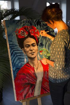 Discover The Secrets Of Drawing Realistic Pencil Portraits Kahlo Paintings, Old Paintings, Beautiful Paintings, L'art Du Portrait, Pencil Portrait, Frida Art, Artist Aesthetic, Painting Studio, Art Hoe