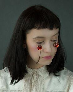 Você usaria? Designer japonesa cria coleção bem inusitada de joias para o rosto | Virgula