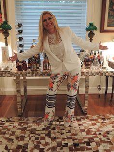 ♥ Anniversaire de Ma Très Chère Amie Lilian Gonçalves ♥ Rainha da Noite Paulistana ♥  http://paulabarrozo.blogspot.com.br/2016/04/anniversaire-de-ma-tres-chere-amie.html