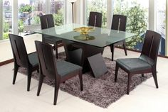El lugar perfecto para compartir en familia. Comedor Lugano con sillas Class, un diseño único. #Comedor #MueblesTendenza #Comodidad