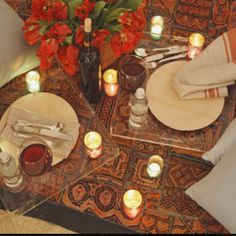 indoor romantic picnic for two....who says it has to be outside! Picnic Theme, Fall Picnic, Valentine Day Gifts, Valentines, Indoor Picnic, Picnic Decorations, Romantic Picnics, Perfect Date, Table Settings