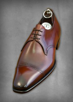 Is this shoe sick or what, another bespoke shoe from Gaziano & Girling. Benchmade shoes from England. I love these shoes.