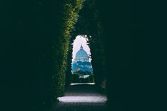 A secret keyhole, a library that will make you swoon AND a food tour that will take you to the best place in the city for wine & cheese. Rome's got a few secrets that you NEED to discover…