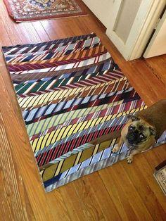 Necktie rug -- notice that the wide ends alternate sides -- Necktie Rug Unbound Mens Ties Crafts, Tie Crafts, Fabric Crafts, Sewing Crafts, Sewing Projects, Necktie Quilt, Old Ties, Recycling, Rug Making