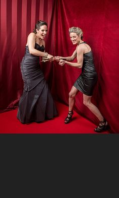 I adore Anna's dress :) Anna Silk & Zoie Palmer @ Canadian Screen Awards Anna Silk, Lost Girl, Kris Holden Ried, Bo And Lauren, Emmanuelle Vaugier, Ksenia Solo, Funny Fights, Anna Dress, Canadian Actresses