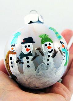Christmas family fingerprint ornament for kids, Cute Fingerprint snowman ornament for 2013 Family Christmas Ornaments, Christmas Crafts For Kids, Christmas Decorations To Make, Holiday Crafts, Christmas Diy, Xmas, Holiday Fun, Holiday Ideas, Festive