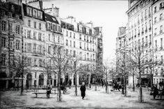 Like stepping back in time: http://fineartamerica.com/featured/place-dauphine-paris-bw-grunge-joan-carroll.html #paris #blackandwhite via @joancarroll @joan1992