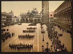 92546 - Venezia - Parata militare in Piazza San Marco - Library of Congress, Prints and Photographs Division, Photochrom Collection, [reproduction number ppmsc 06670] Public domain image
