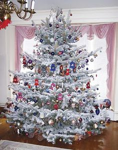 Big and Elegant Christmas Tree