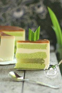 pandan coconut mousse chiffon cake, I think I will leave out the cendol filling