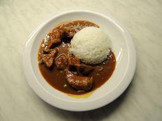 NAŠE KUCHYNĚ: Vepřový guláš s jasmínovou rýží