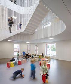 hideandseek - blogg om och för barn som berör allt från arkitektur till inredning, leksaker, barnmode och pedagogik.