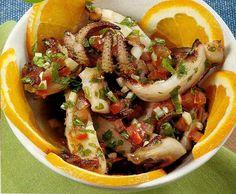 Salada de chocos com coentros - http://www.receitassimples.pt/salada-de-chocos-com-coentros/