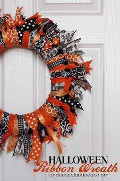 impact but super easy! Landee See, Landee Do: Halloween Ribbon Wreath--could make for any holiday! halloweenribbonBig impact but super easy! Landee See, Landee Do: Halloween Ribbon Wreath--could make for any holiday! Moldes Halloween, Soirée Halloween, Halloween Ribbon, Manualidades Halloween, Dollar Store Halloween, Holidays Halloween, Halloween Decorations, Halloween Wreaths, Holiday Wreaths