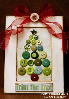 Button Christmas Tree from Bo Bunny.  A lovely holiday card!  You can simplify this project by gluing rather than stitching the buttons to the card.