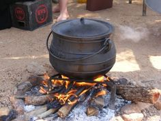 I could do with a good potjie right now-comfort food from home Food For Thought, Cooking, Outdoor Decor, Black Bear, Tents, Home Decor, Google, Life, Image