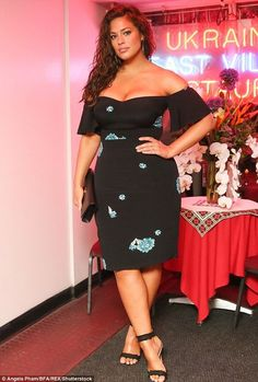 Ashley Graham Style File - Plus Sized Dress - Ideas of Plus Sized Dress - As she covers January Vogue chart Ashley Grahams style evolution. Curvy Outfits, Mode Outfits, Classy Outfits, Vogue, Curvy Girl Fashion, Womens Fashion, Style Fashion, Petite Fashion, Fall Fashion